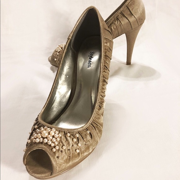 Style & Co Shoes - Beautiful Style&Co beaded high heals size 7.5
